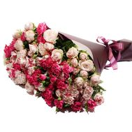 A beautiful bouquet of bush roses - flowers and bouquets on roza.pl.ua