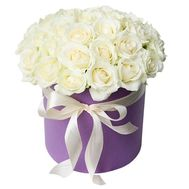 31 white rose in a hat box - flowers and bouquets on roza.pl.ua