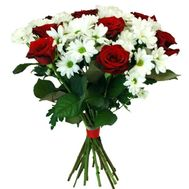 Bouquet of 7 roses and 6 chrysanthemums - flowers and bouquets on roza.pl.ua