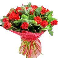 Букет из 21 розы и ели - цветы и букеты на roza.pl.ua