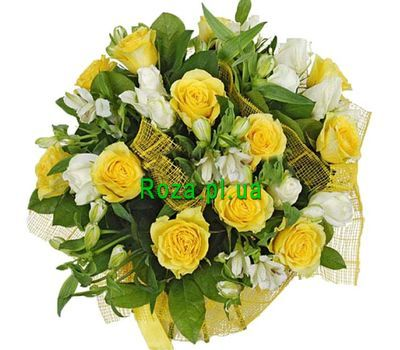 """White and yellow bouquet of flowers"" in the online flower shop roza.pl.ua"