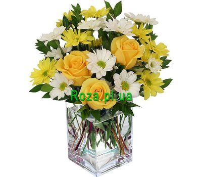 """""""A small bouquet for a gift"""" in the online flower shop roza.pl.ua"""