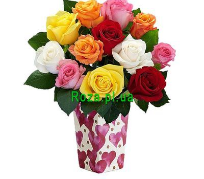 """""""A small bouquet of different roses"""" in the online flower shop roza.pl.ua"""