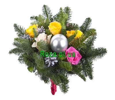 """Bouquet of 5 roses and spruce"" in the online flower shop roza.pl.ua"