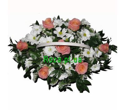 """Basket of 7 roses and 6 chrysanthemums"" in the online flower shop roza.pl.ua"